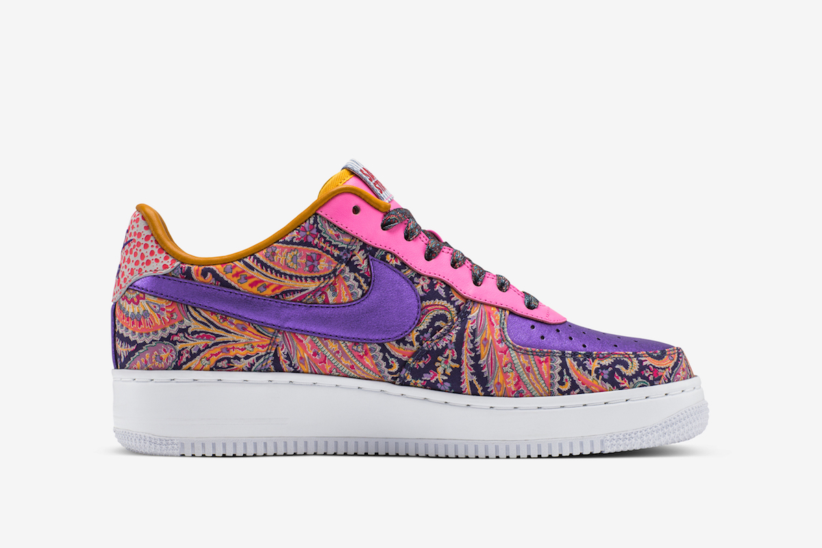 sagerstrong nike air force one 2