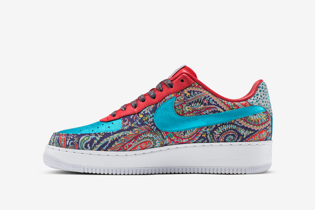 sagerstrong nike air force one 4