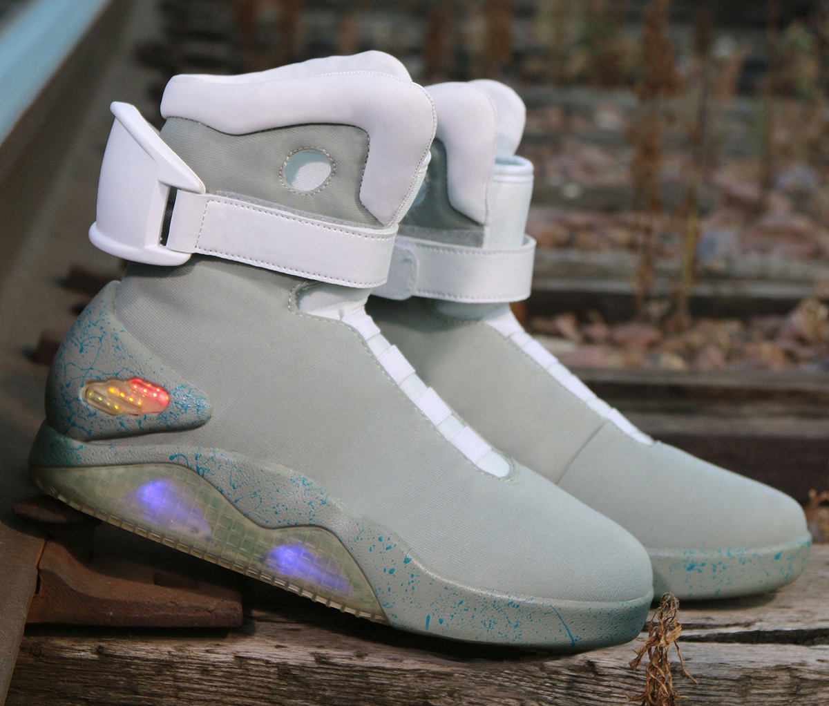 the-nike-mag-halloween-costume-sneaker-is-back-2