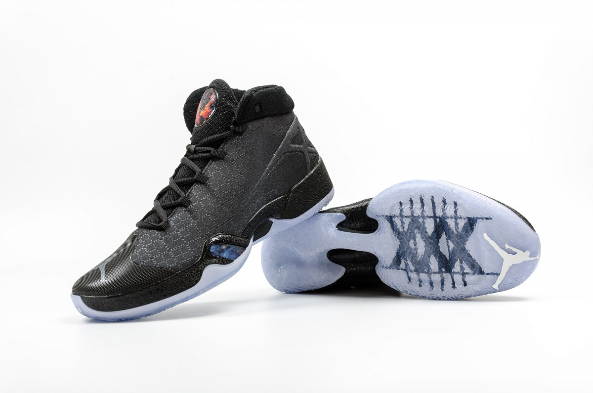 air-jordan-xxx-black-cat-811006-010-37