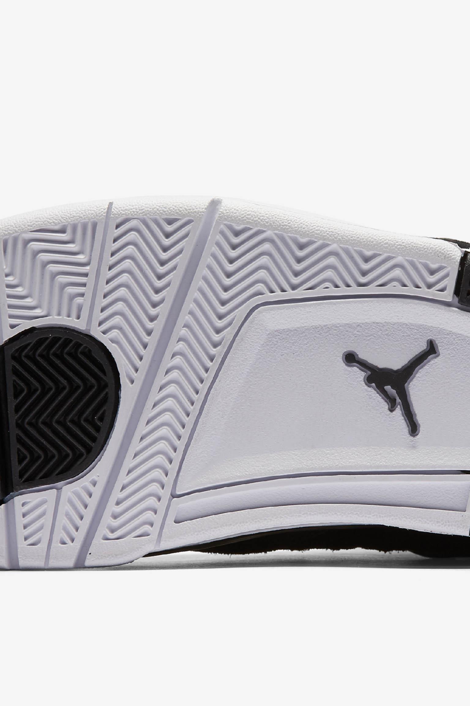 Air Jordan 4 Royalty 10