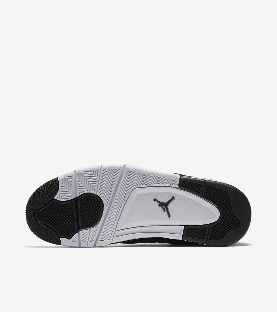 Air Jordan 4 Royalty 4