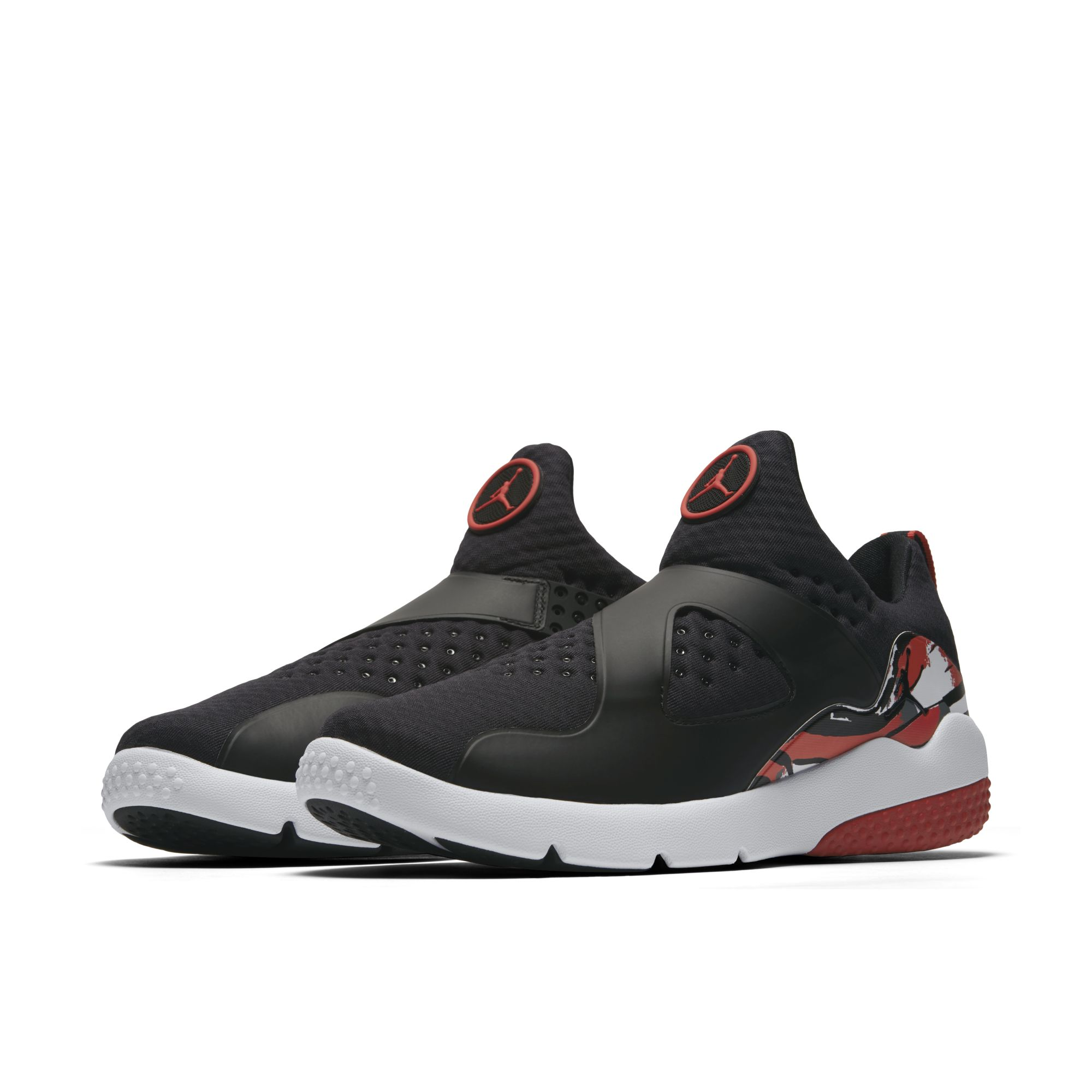 Jordan Trainer Essential – Black-Red – Full
