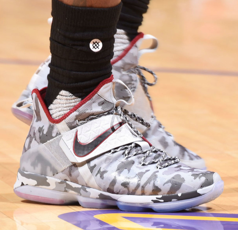 lebron-james-nike-lebron-14-white-camo