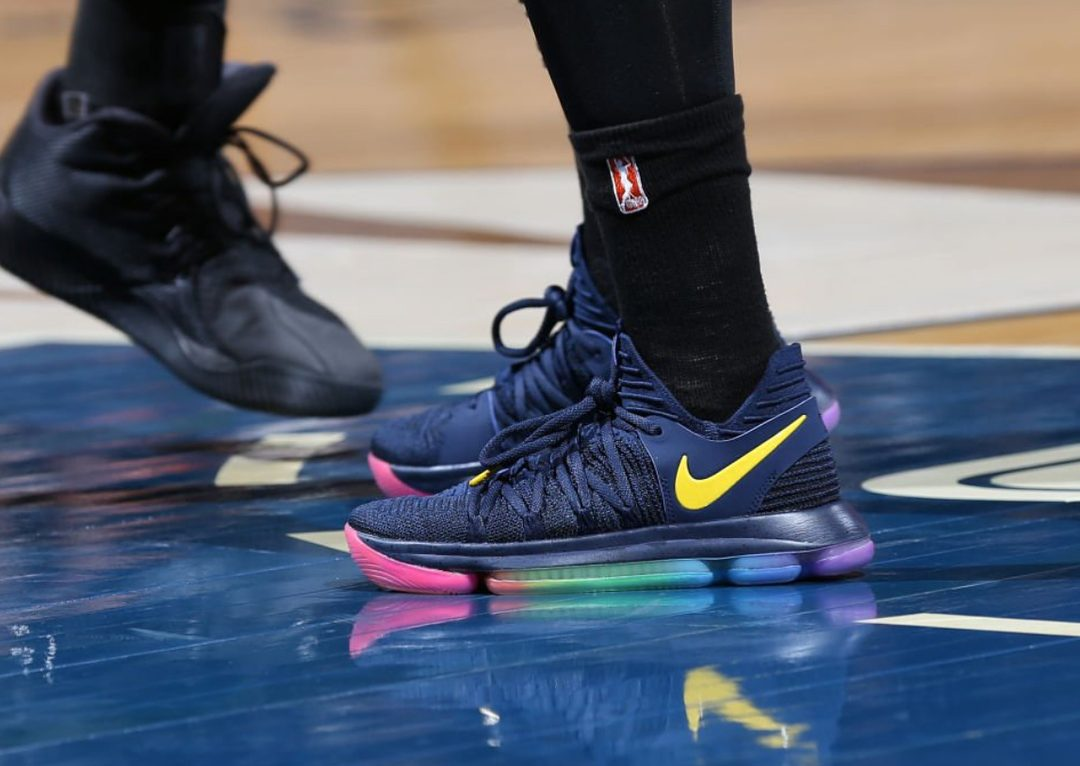 Jonquel Jones WNBA CT Sun nike kd10 betrue