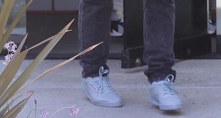 adidas originals Yeezy calabasas Grey 1