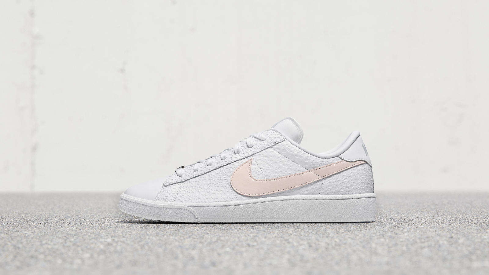 Nike Flyleather Tennis Classic SE 2