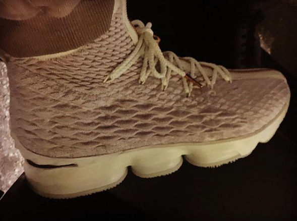 Nike LeBron 15 That Features a Zipper