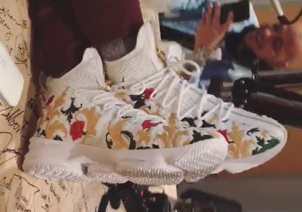 lebron-15-floral-shoes