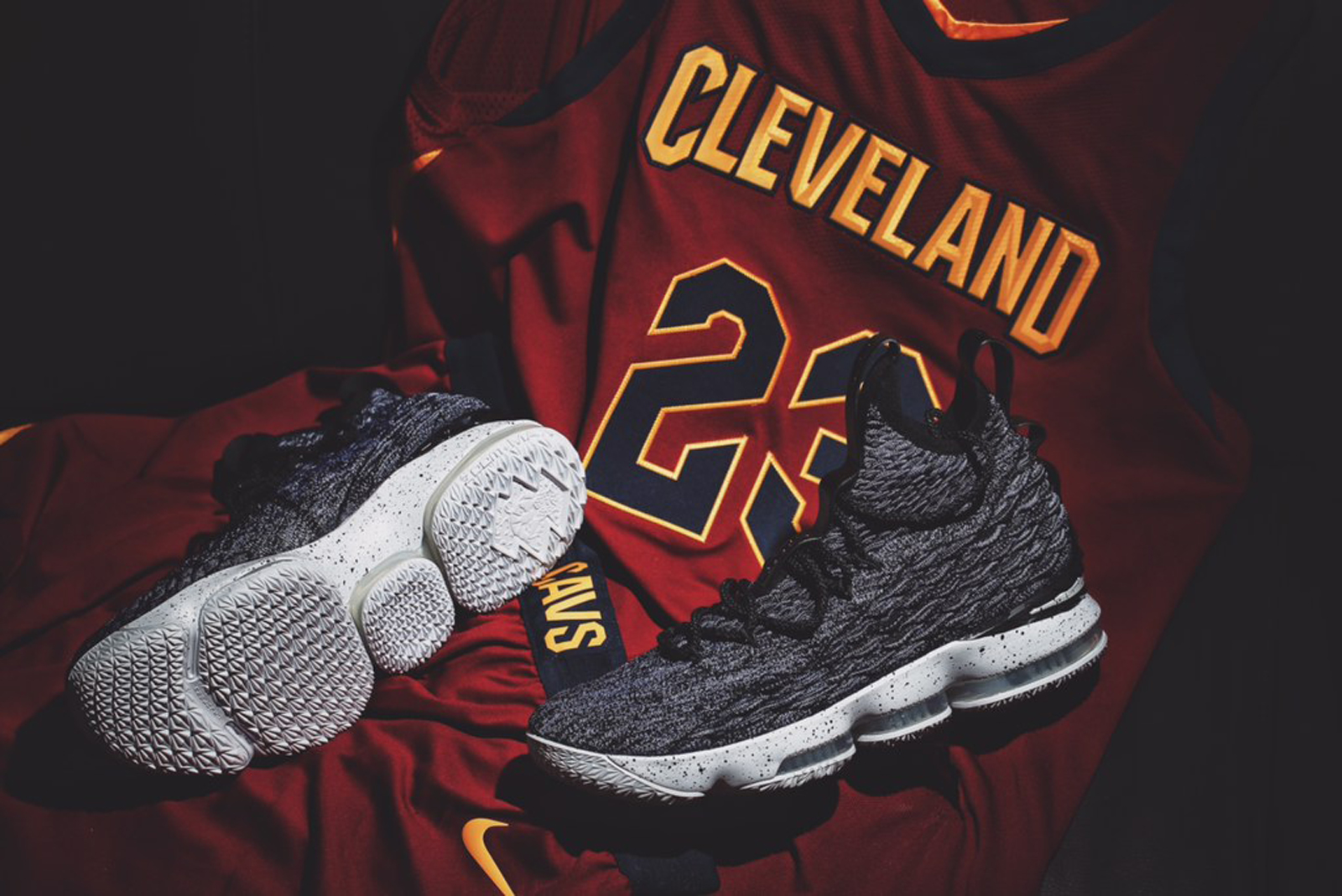 Nike-LeBron-15-Ashes-Beauty-Shots-1