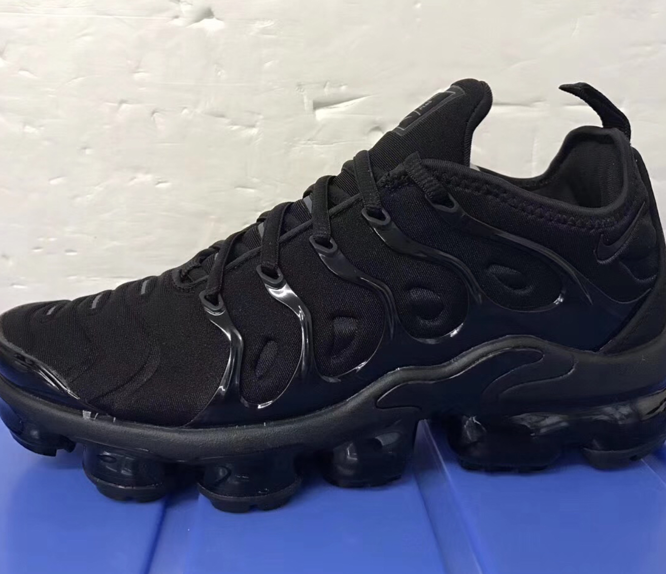 buy online 9e070 a8700 A Better Look at the Nike Air VaporMax Plus Hybrid - WearTesters