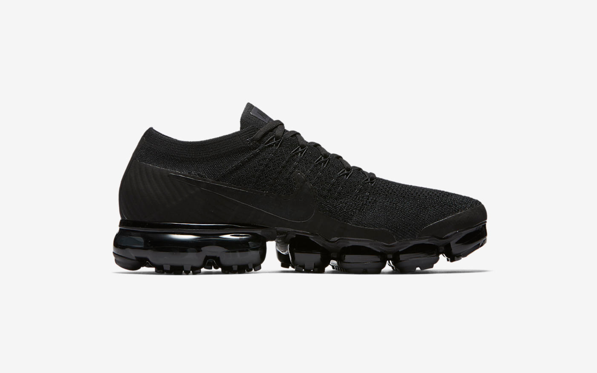 nike air vapormax triple black 8