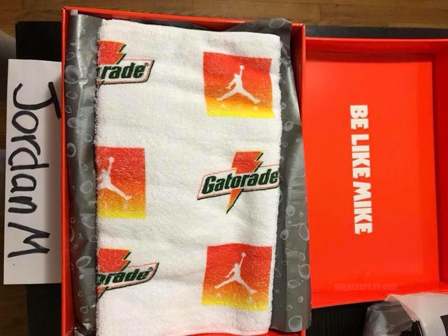 Air-Jordan-1-Gatorade-Orange-Peel 11