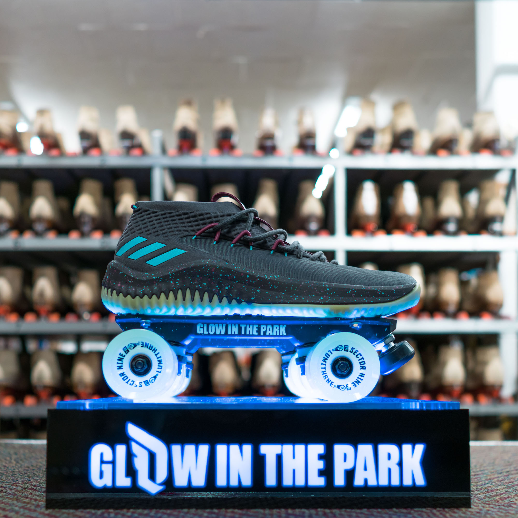 adidas dame 4 glow in the park 0