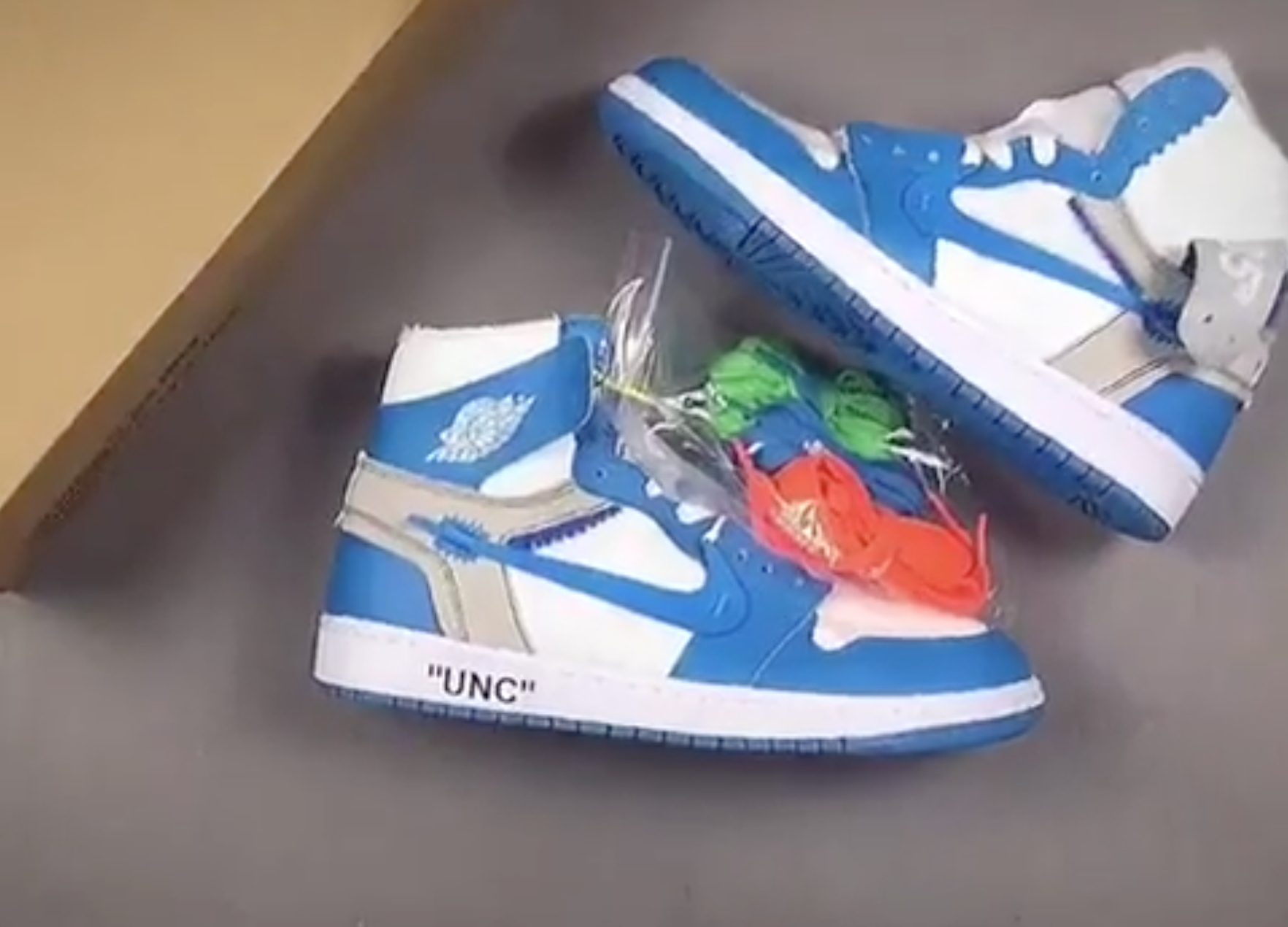 OFF WHITE Air Jordan 1 UNC