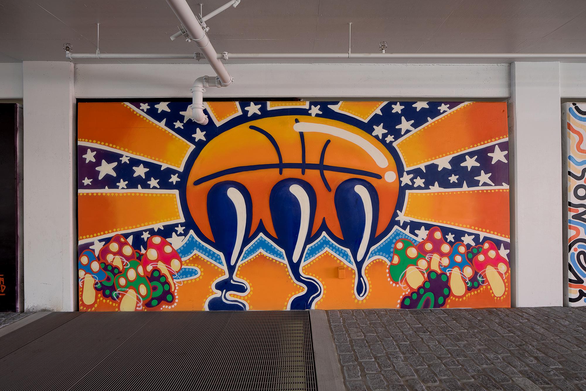 Nike NYC Garage Claw Money