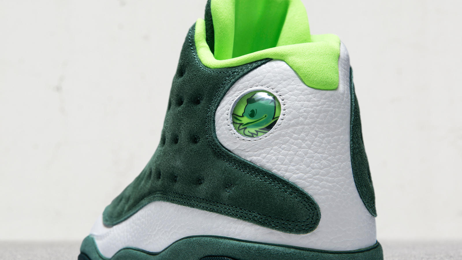 air jordan 13 univeristy of oregon duck friends and family 2