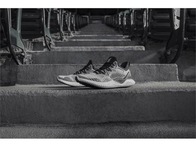 adidas alphaBOUNCE beyond 5