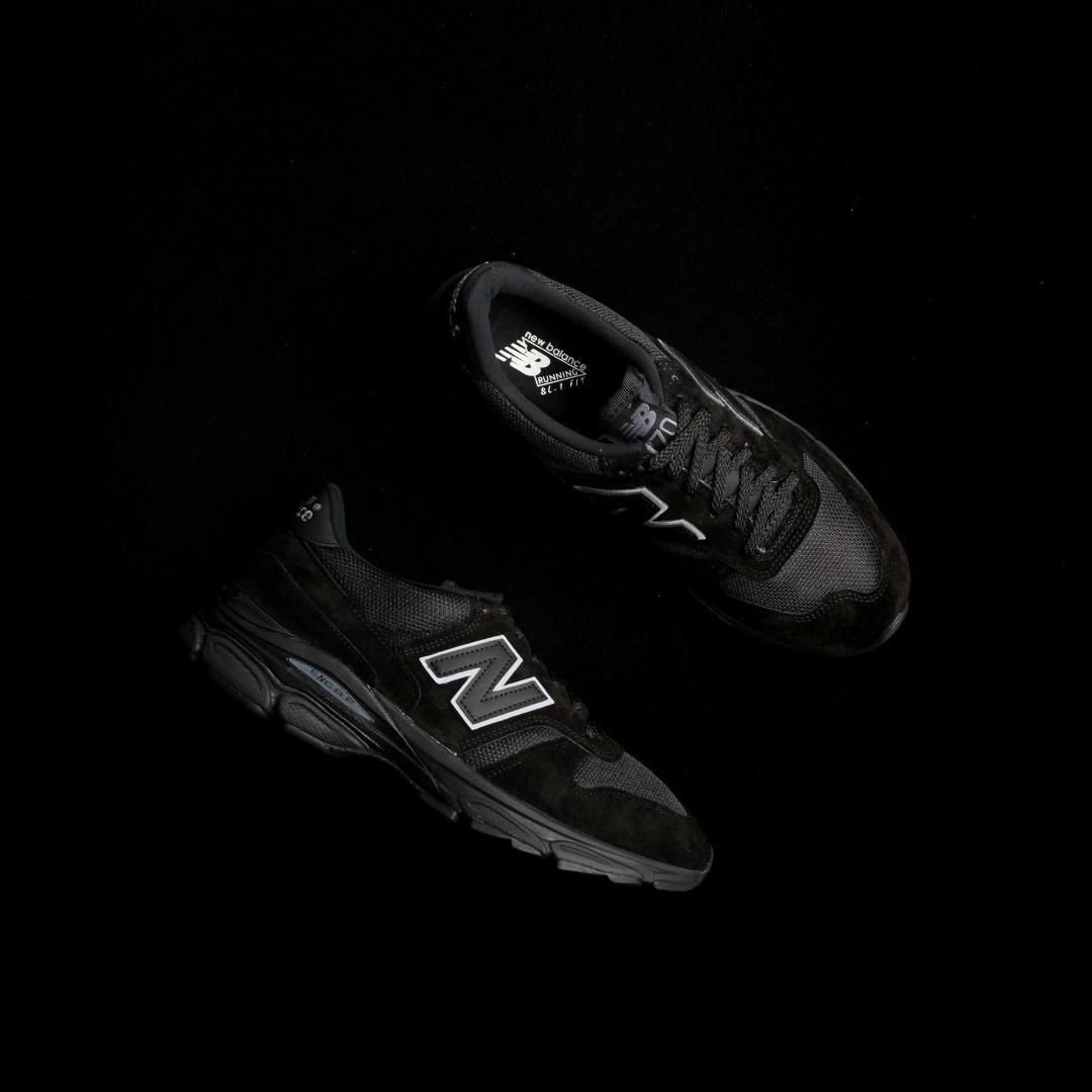 new balance M7709 BK triple black 1