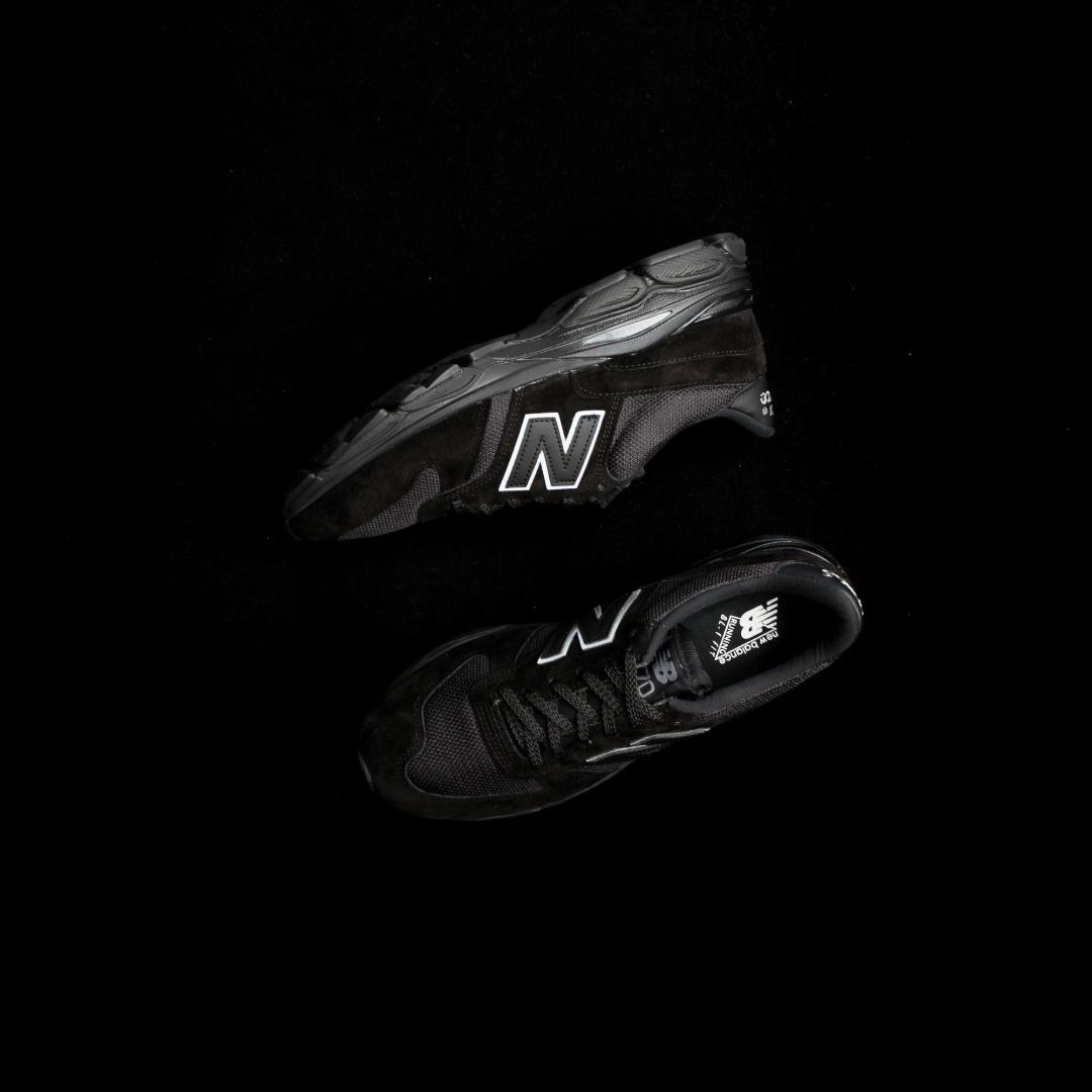 new balance M7709 BK triple black 3