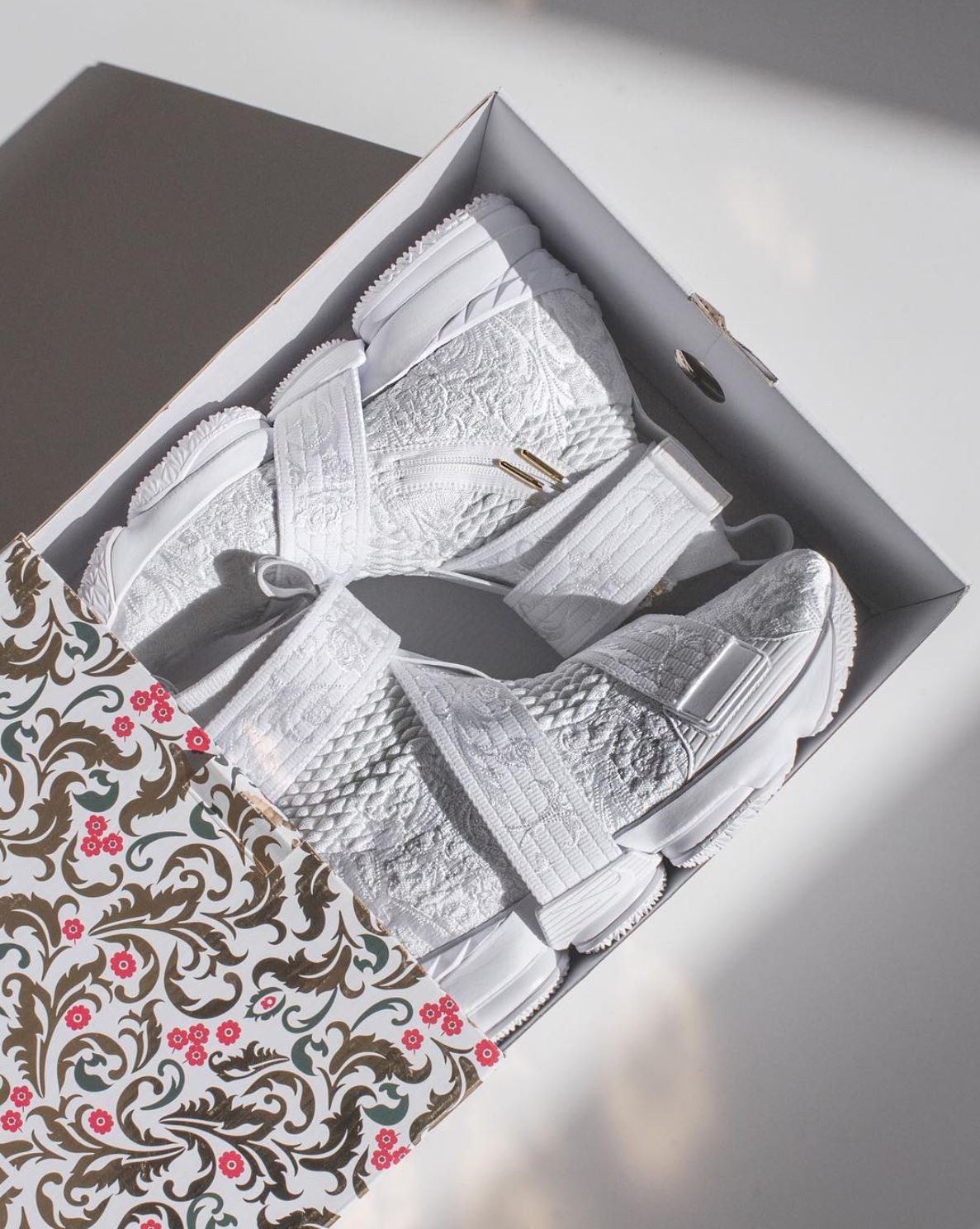kith x lebron 15 city of angels