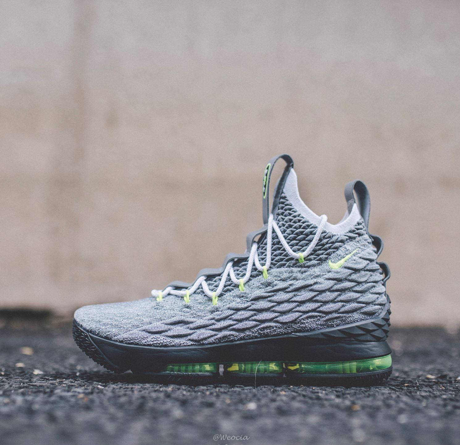 Nike LeBron 15 'Neon 95