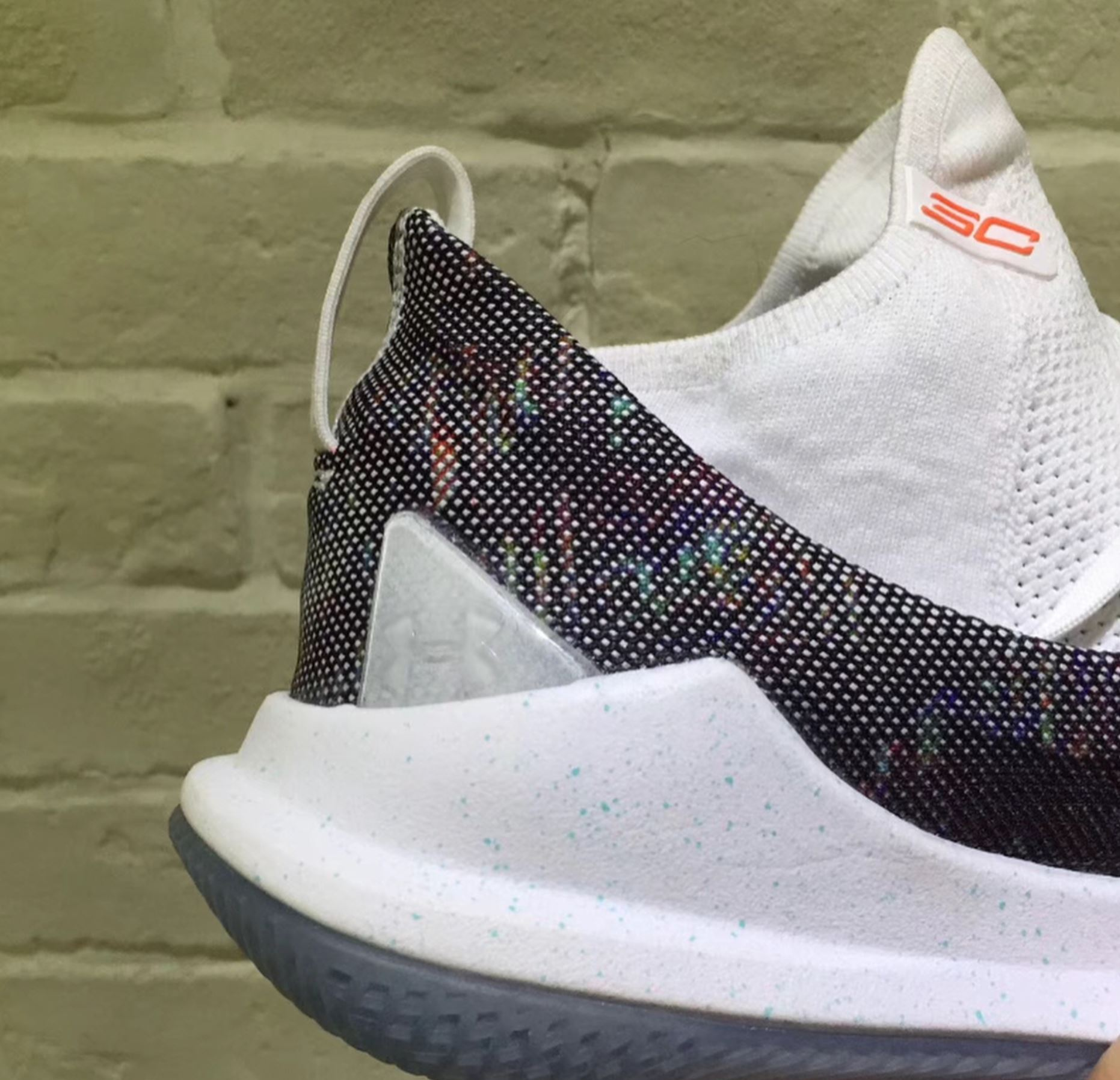 under armour curry 5 leak 3