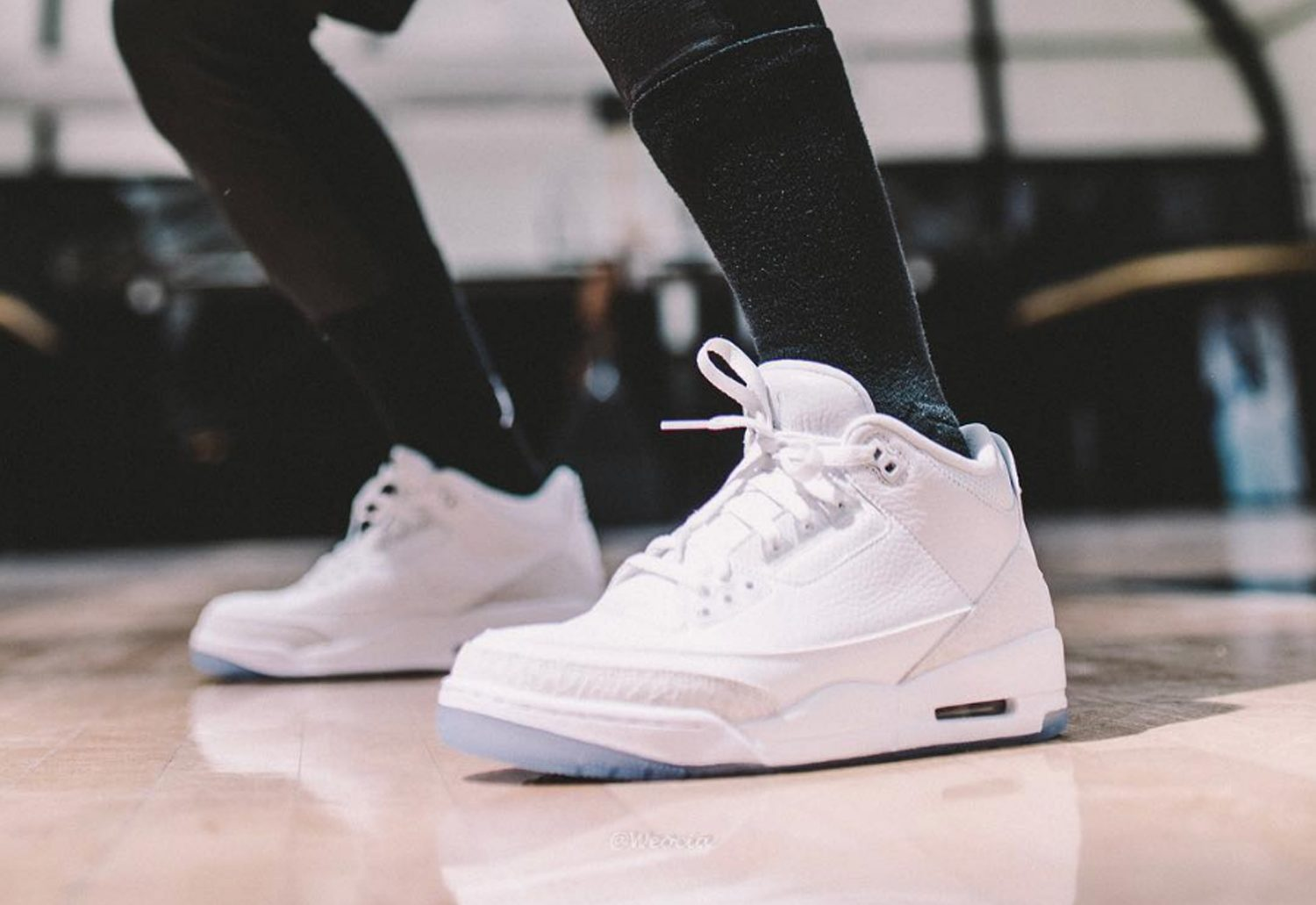 imperatore saltare Indifferenza  Air-Jordan-3-Pure-White-On-Foot-4 - WearTesters