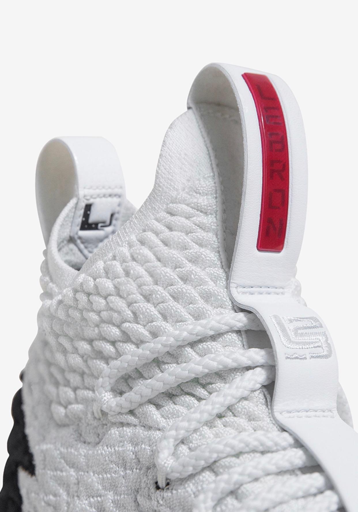 Nike LeBron 15 AZG
