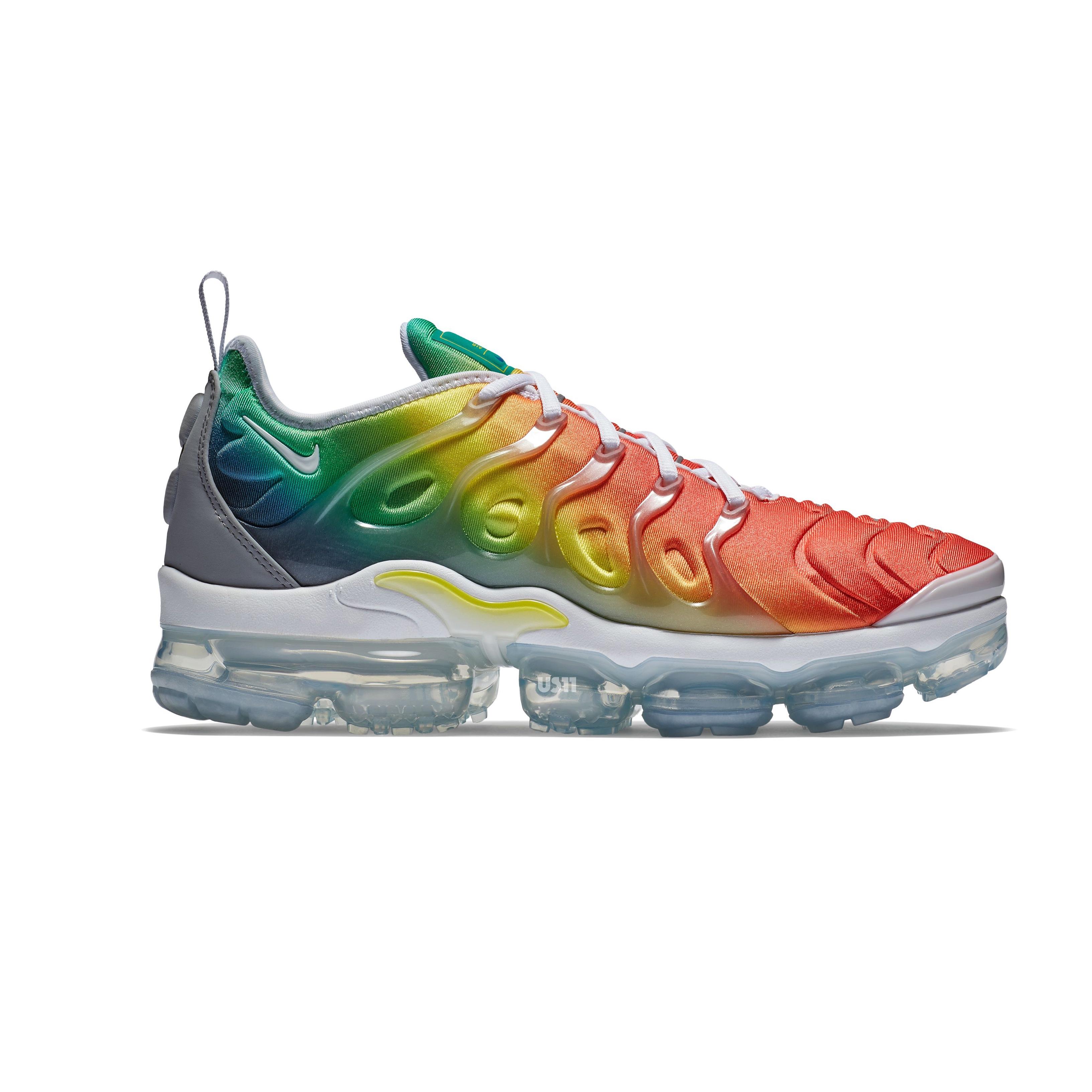 rainbow nike vapormax plus