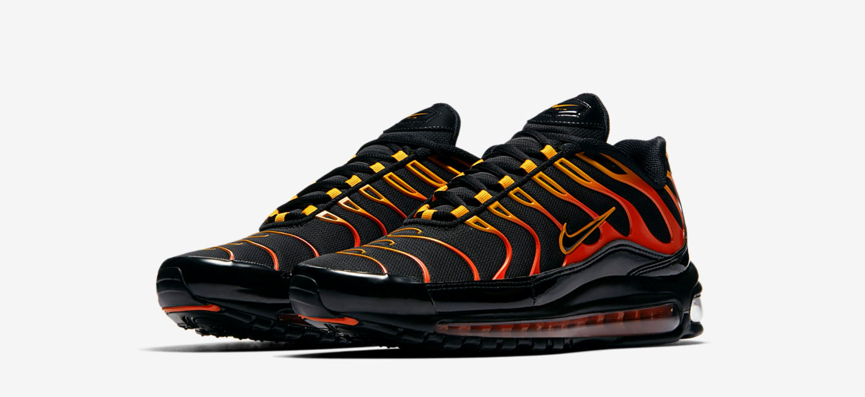 Sobretodo tema Aclarar  This Red Hot Nike Air Max 97 Plus Hybrid Arrives Friday - WearTesters