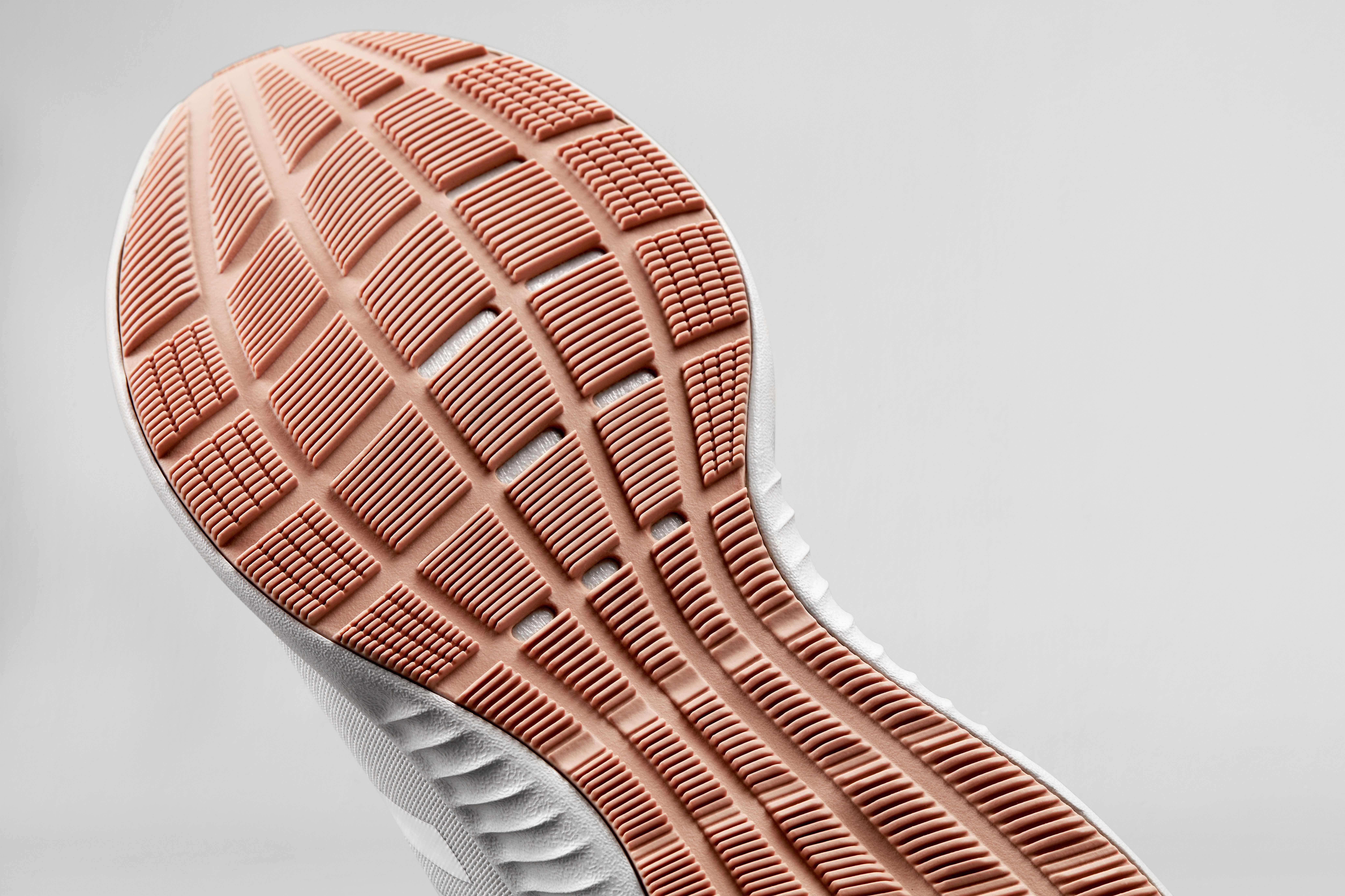 adidas EdgeBOUNCE 7