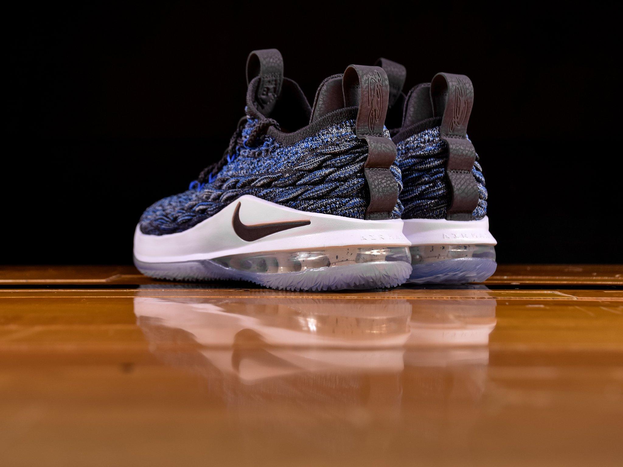 nike lebron 15 low signal blue heel