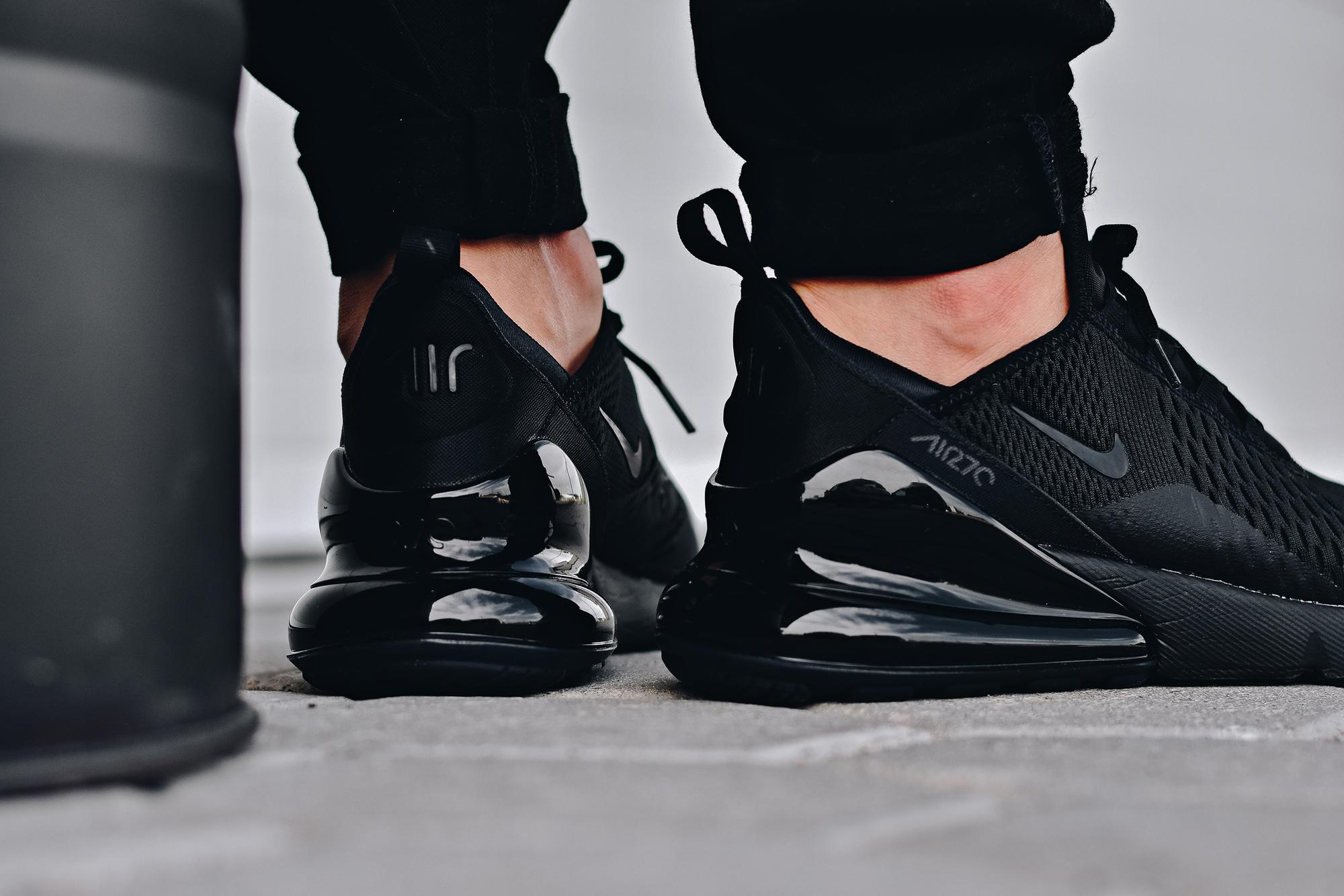 Nike air max 270 triple black air unit
