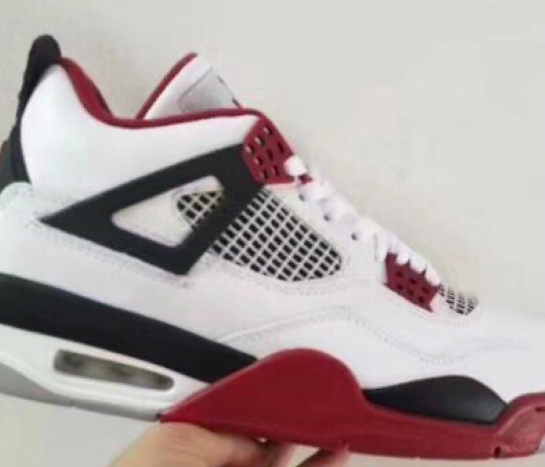 air jordan 4 fire red 2019