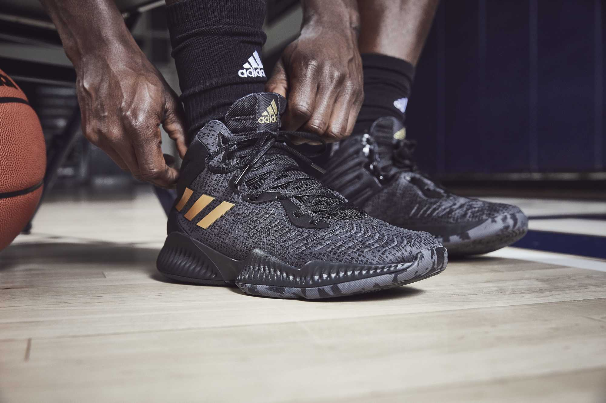 adidas mad bounce black gold