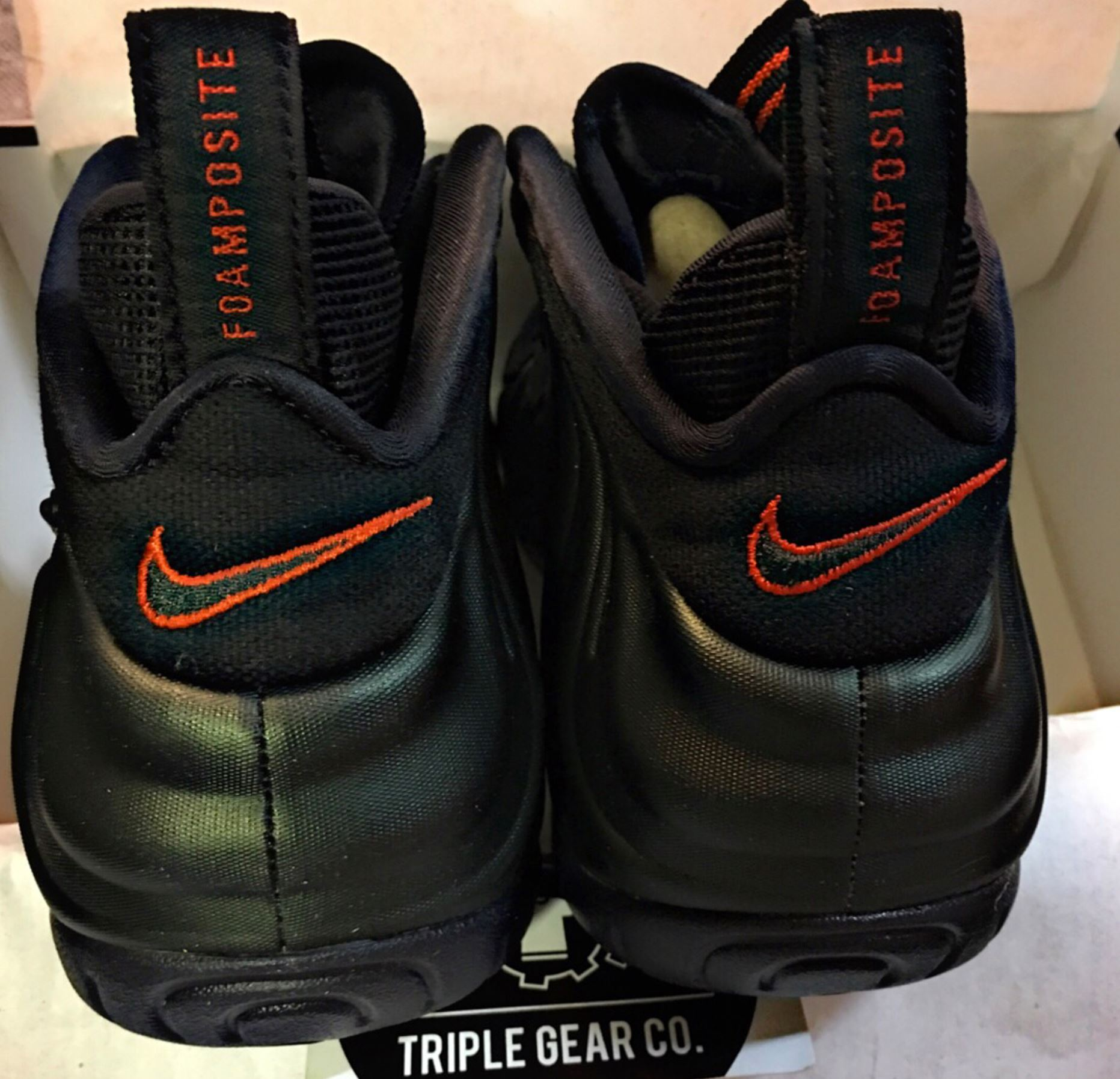 nike air foamposite pro sequoia heel