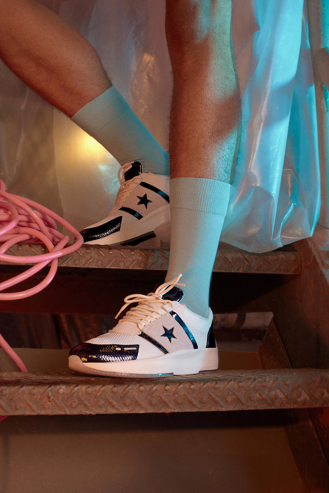 converse run star on foot