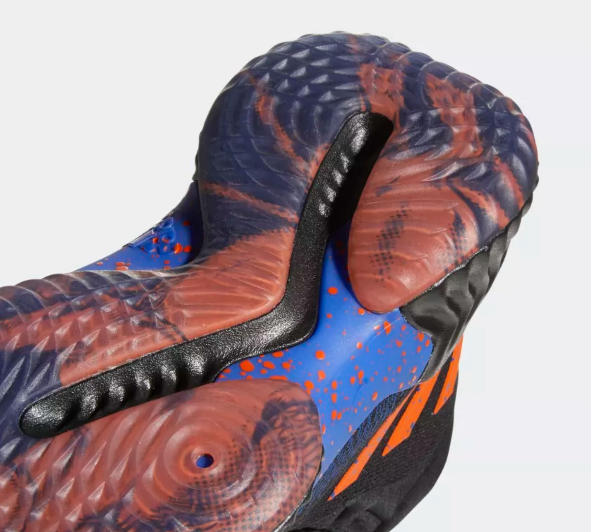 kristaps porzingis PE adidas pro bounce outsole