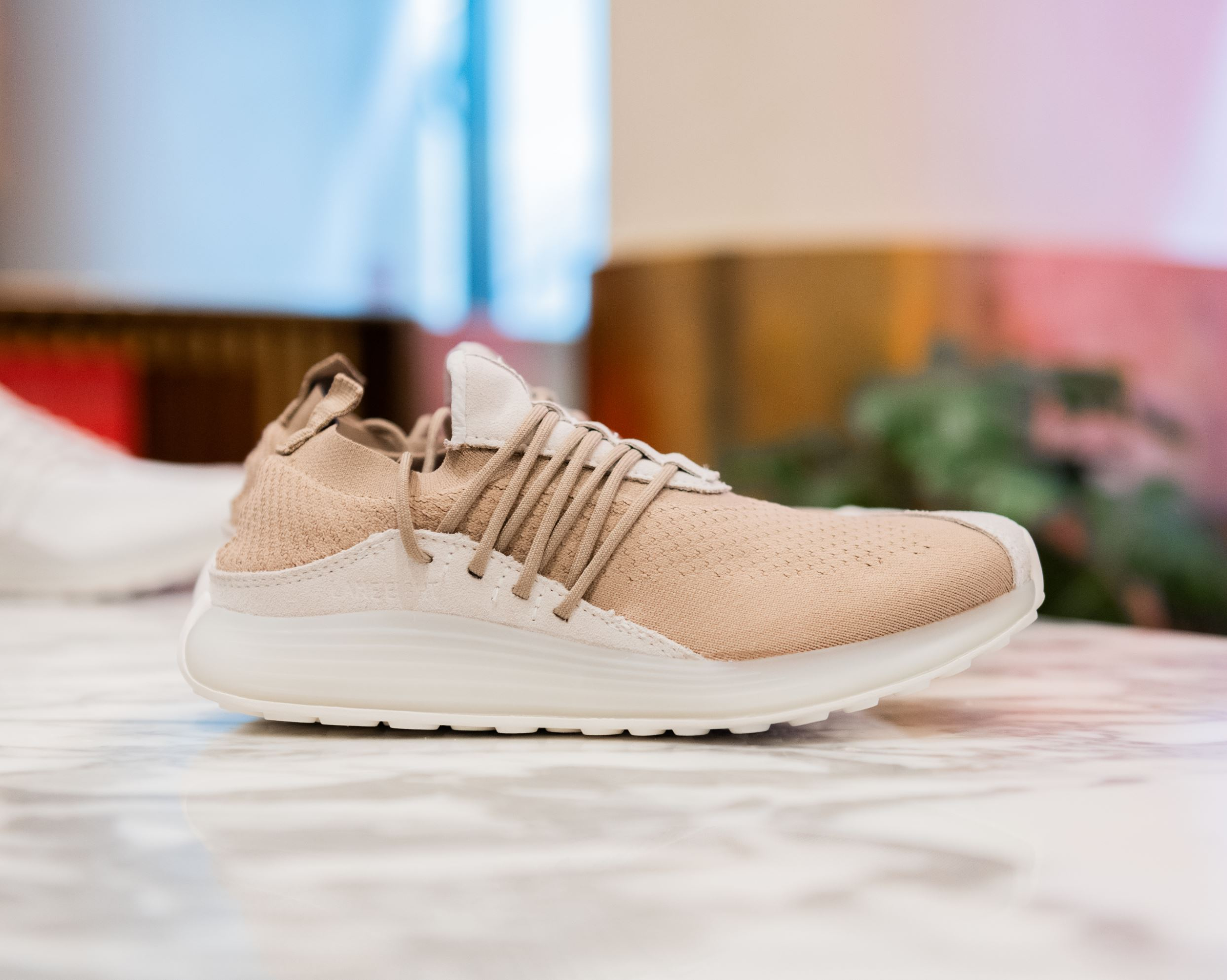 lane eight pop up trainer ad 1 tan