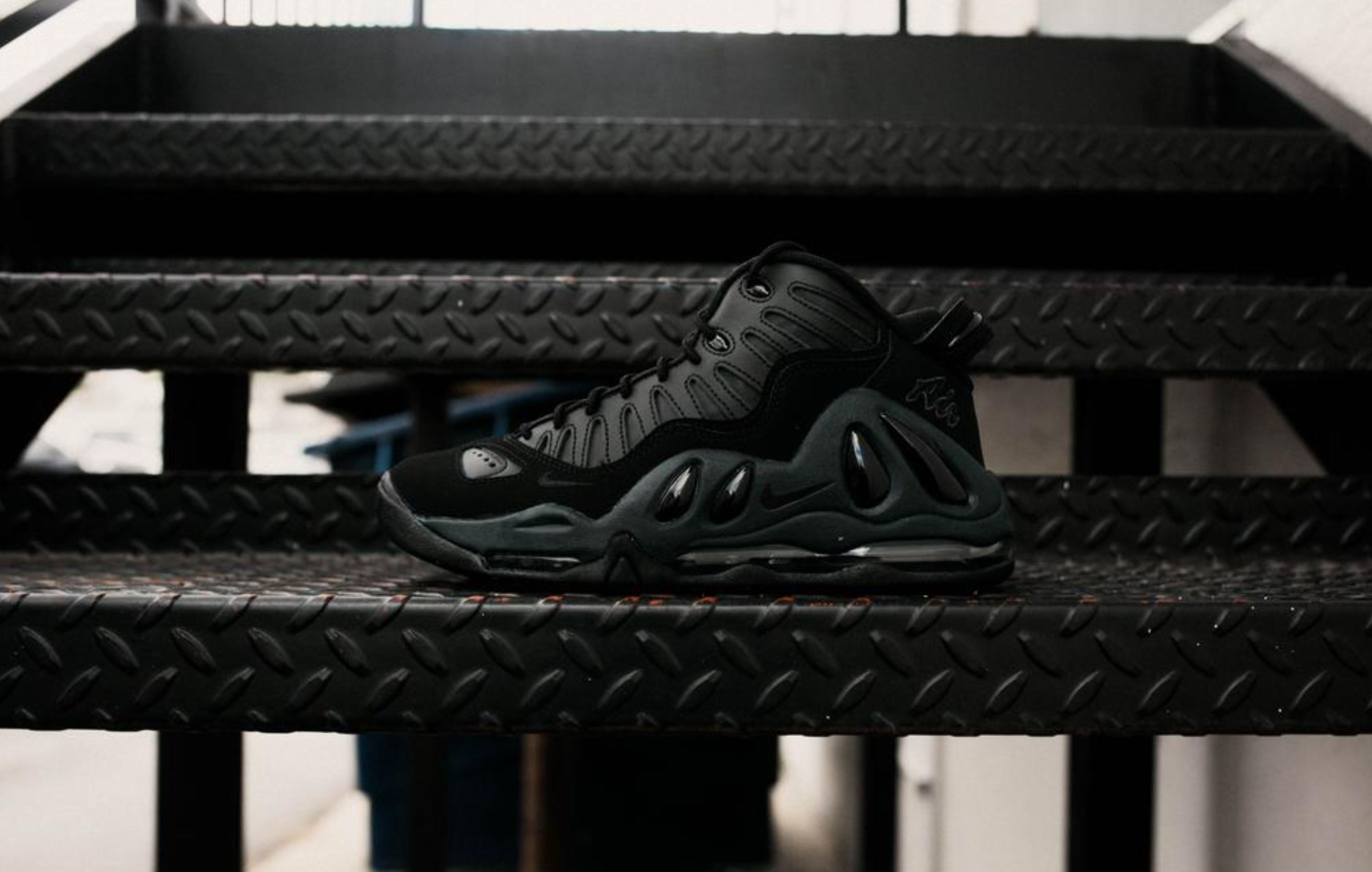 nike air max uptempo 97 triple black