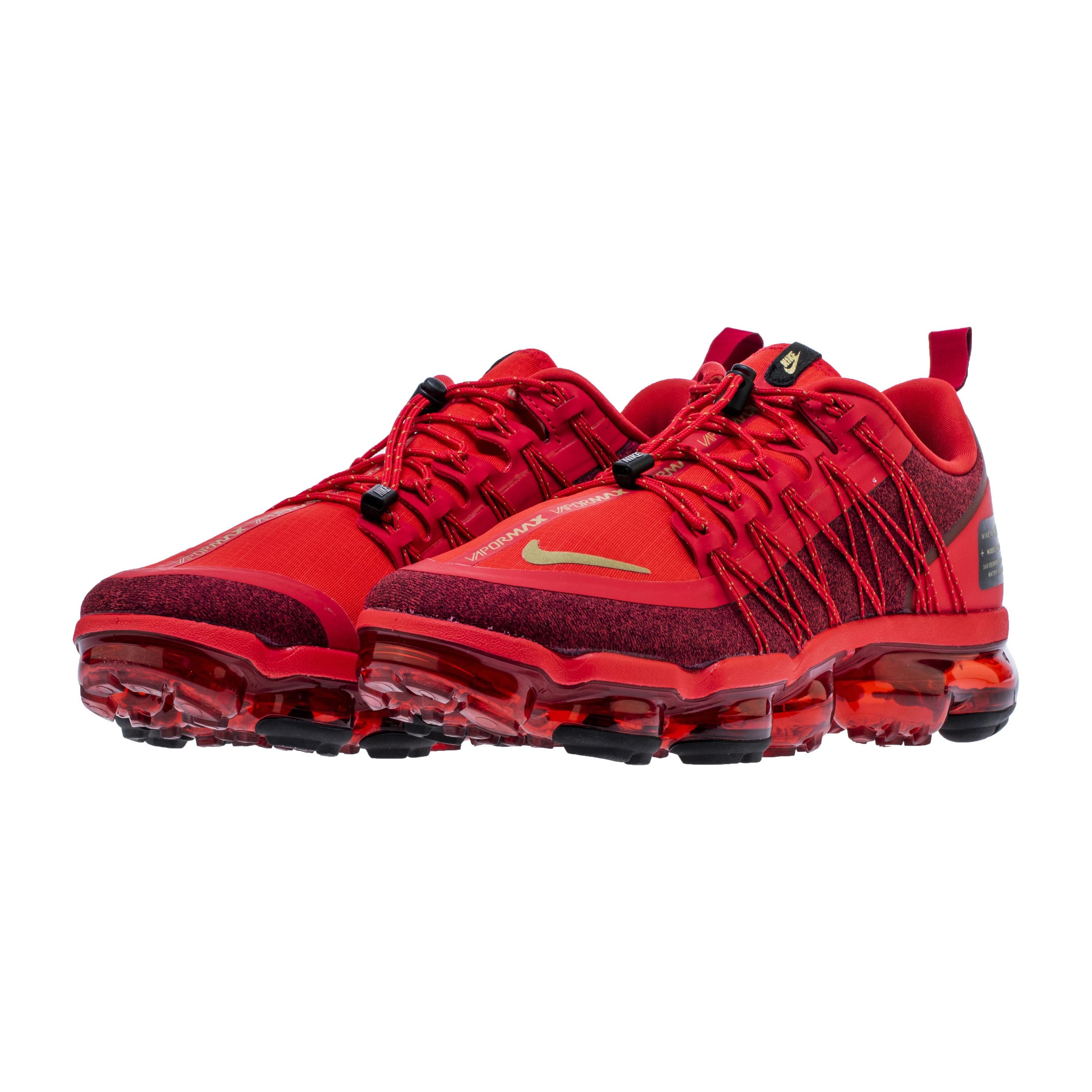 black vapormax red laces