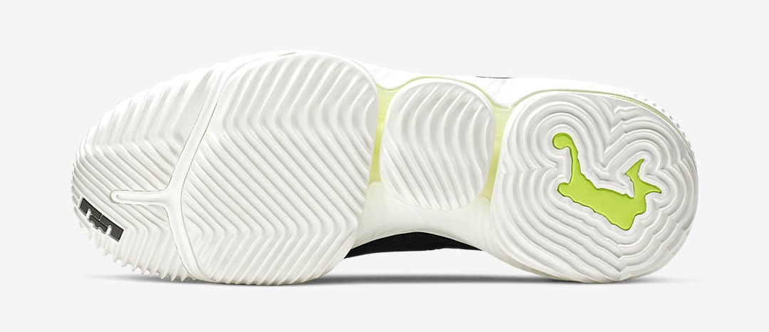 Nike-LeBron-16-Low-Black-Mamba-5