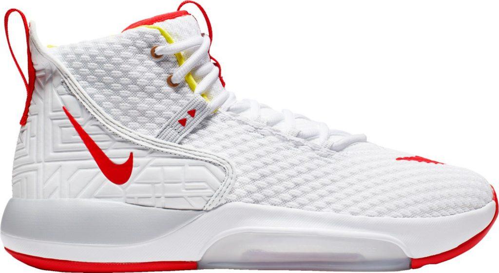 Nike Zoom Rise Side