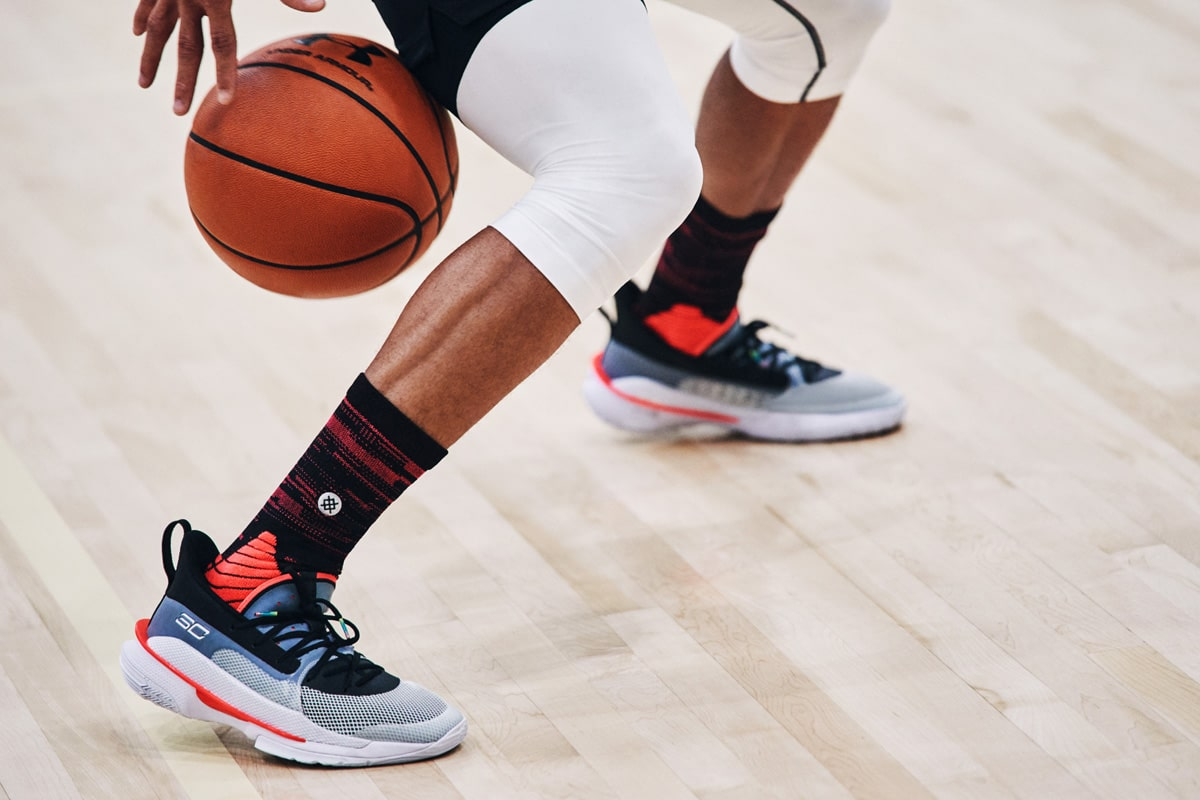 under armour curry 7 - dribbling 1